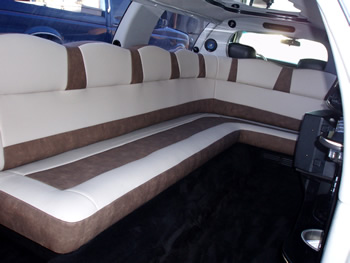 White Stretch Limo In2